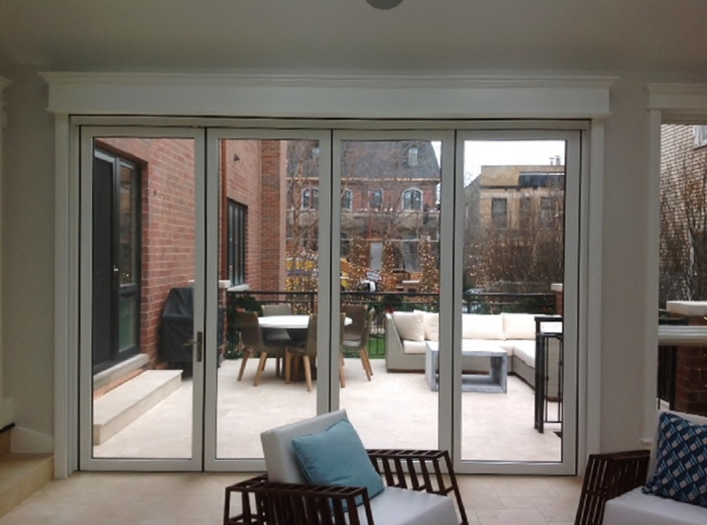 Superb MagnaTrack Motorized Retractable Screens